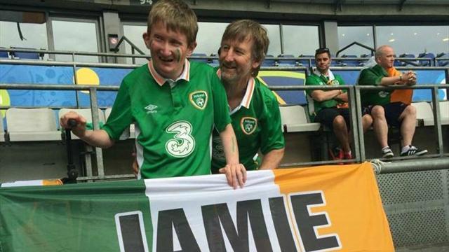 Un supporter irlandais se fait voler son drapeau, la solidarité fait le reste