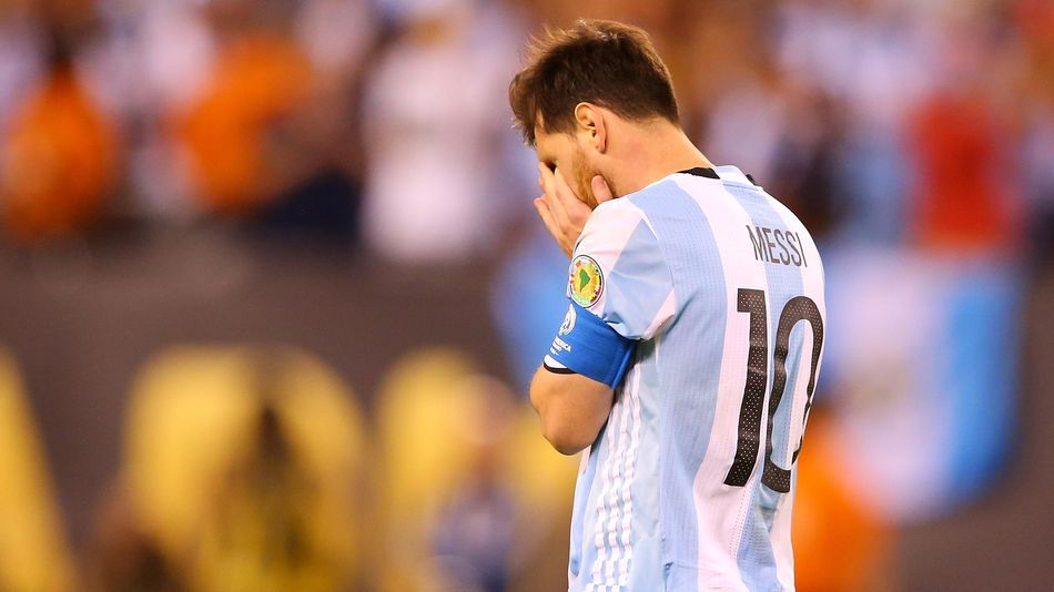 Le dépit de Lionel Messi, défait en finale de la Copa America 2016 avec l'Argentine contre le Chili