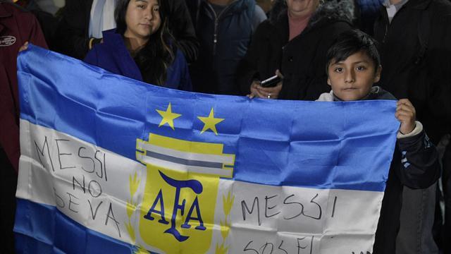 De son président à Maradona, l'Argentine veut convaincre Messi de rester en sélection