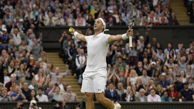 Wimbledon hero Willis gets engaged to girlfriend
