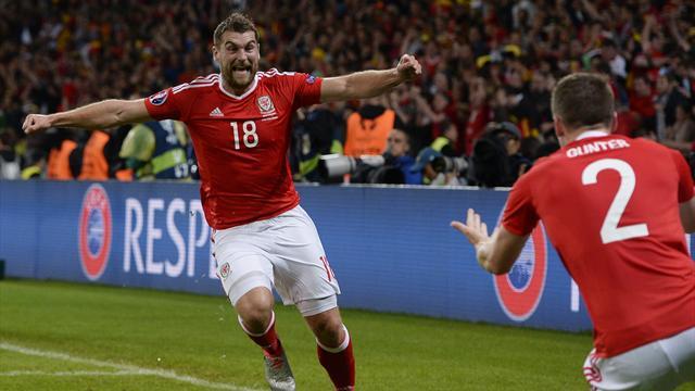 La tête décroisée parfaite de Vokes a définitivement éteint les Belges : le but du 3-1