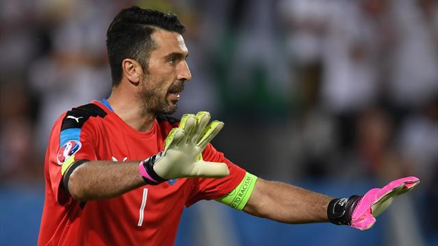 Buffon a sorti le grand jeu pour éviter à l'Italie de couler : sa parade en vidéo