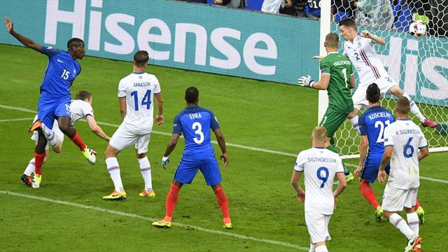 Sur un corner de Griezmann, Pogba a doublé la mise de la tête pour les Bleus