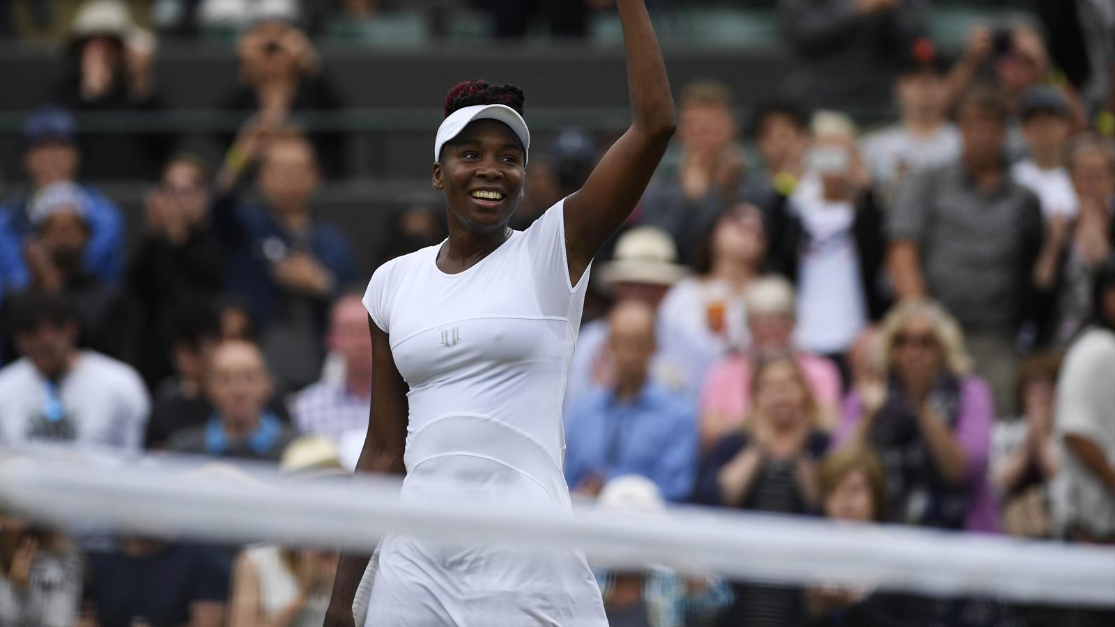 Venus Williams edges past Carla Suarez Navarro to reach last eight