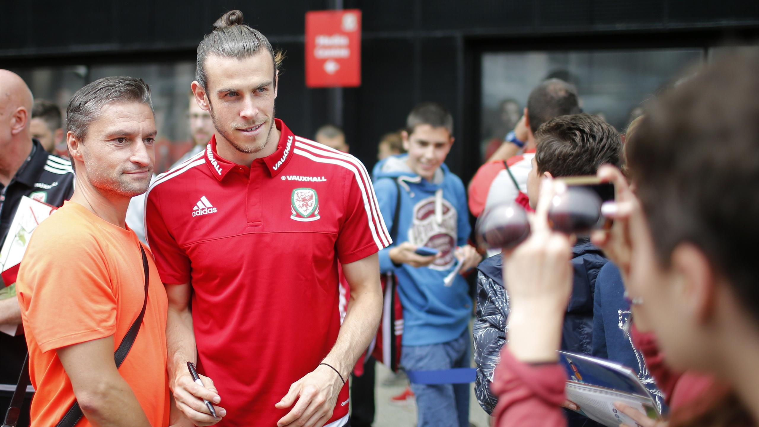 Wales' Gareth Bale poses after the news conference