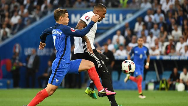La transversale de trop et Boateng sort blessé