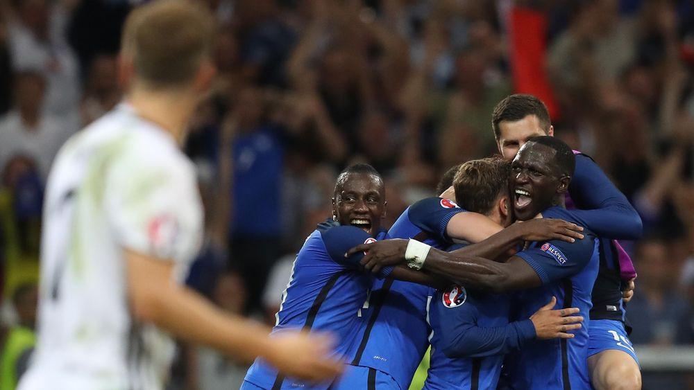 La joie des joueurs de l'équipe de France face à l'Allemagne
