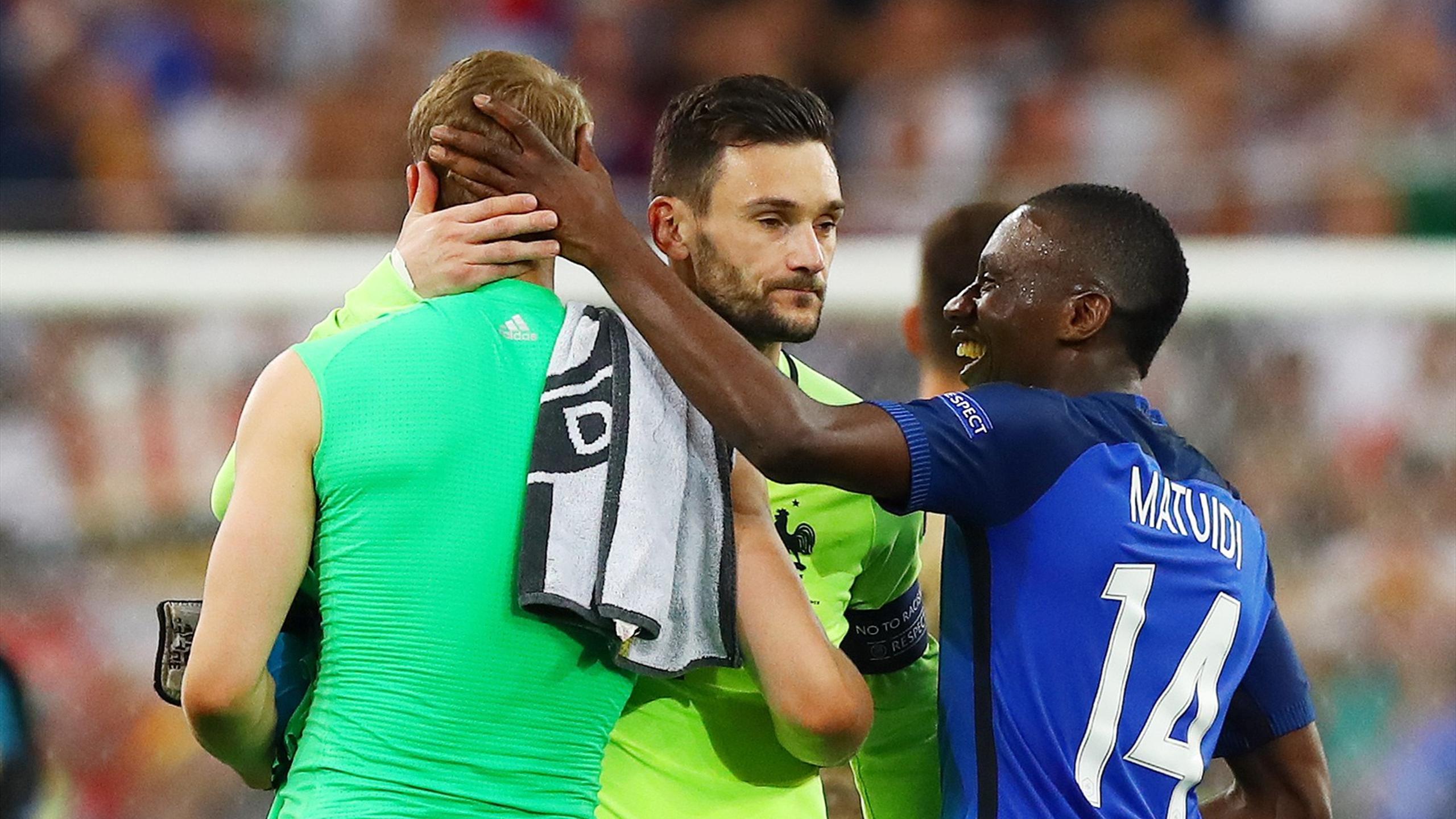 Lloris avec Neuer après France-Allemagne