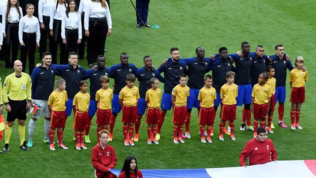 L'assourdissante Marseillaise entonnée par le Stade de France