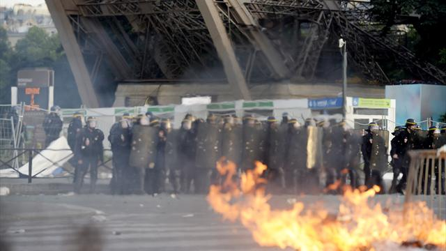 Violent clashes at Paris fan zone; tear gas and water cannon used