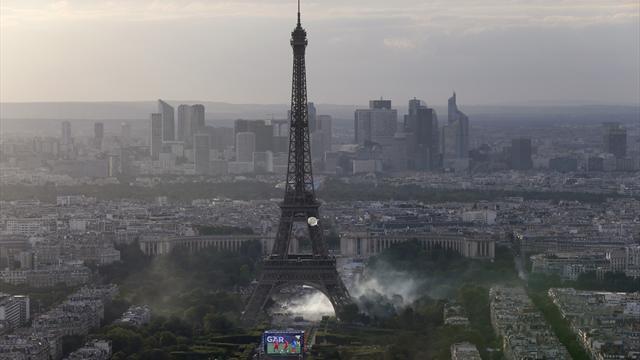 Des incidents aux abords de la fan zone à Paris