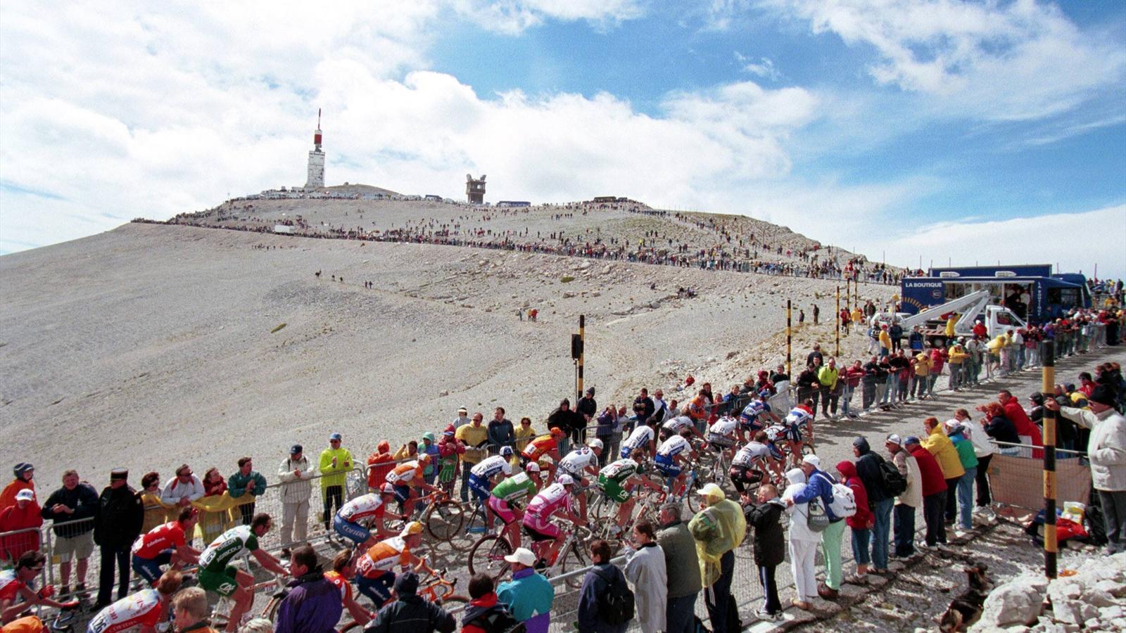 C'è troppo vento sul Mont Ventoux: tappa regina del Tour ridotta di 6 chilometri