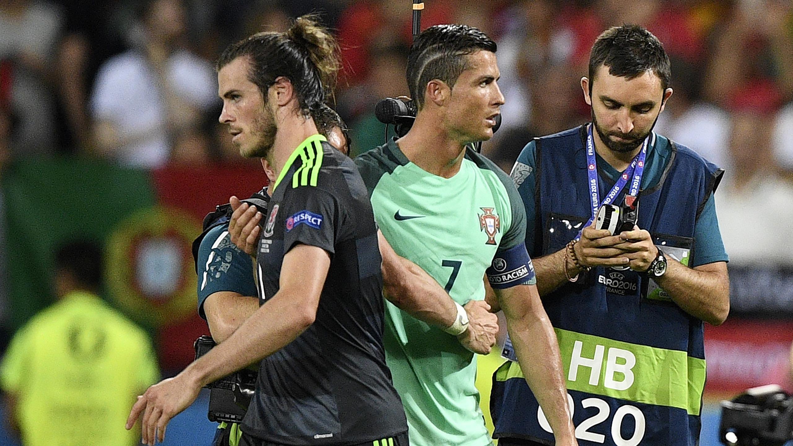 Wales' forward Gareth Bale (L) and Portugal's forward Cristiano Ronaldo