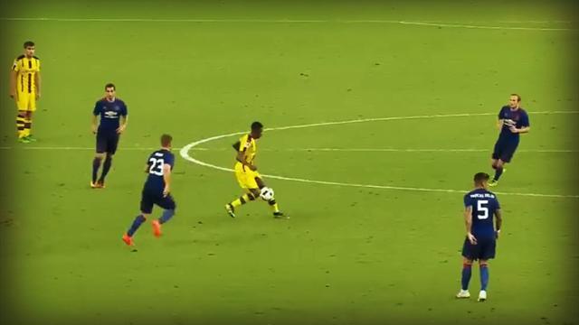Un joueur dans le vent, un autre sur les fesses : Dembélé a humilié MU avec un but dingue
