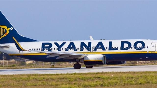 Крупнейший лоукостер Европы назвал самолет в честь Роналду