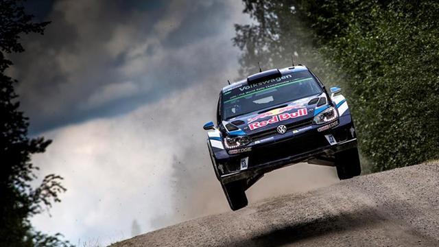 Ogier falla y pierde opciones en el Rally de Finlandia; Meeke manda