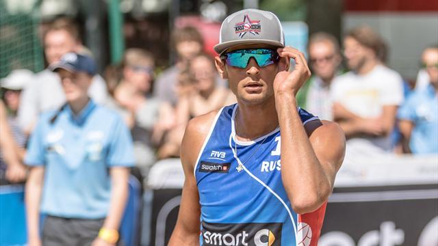 Красильников иСеменов вышли в ¼ финалаОИ впляжном волейболе