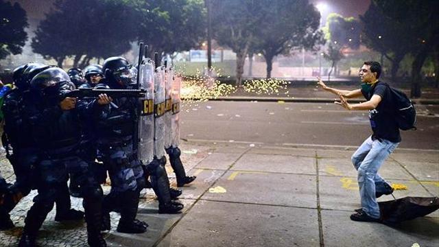 Перед началом церемонии открытия Игр милиция разогнала акцию протеста
