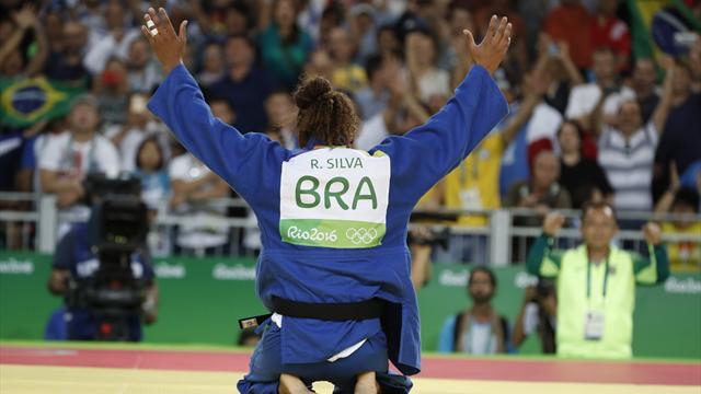 Silva wins first gold for host country Brazil