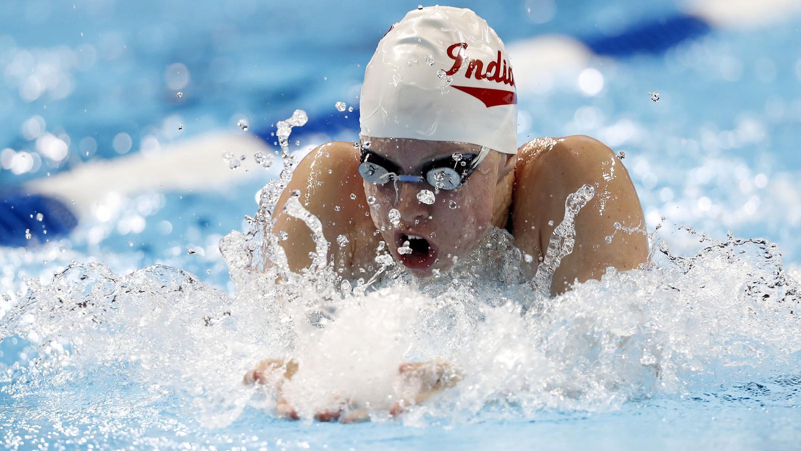Лили кинг плавание фото