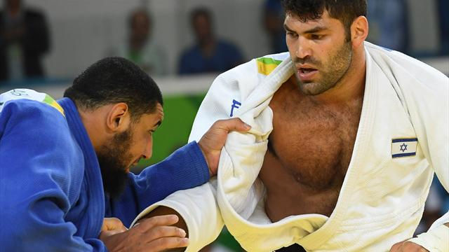 Египетский дзюдоист не пожал руку израильтянину после поражения на Олимпиаде