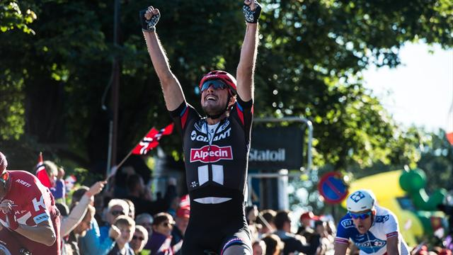 Degenkolb sprints to first stage win of 2016, Moscon claims first title of young career