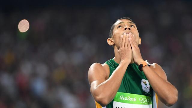 Atletica, van Nierkerk fantastico record del mondo nei 400 metri: 43