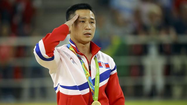 North Korea's Ri Se-gwang wins men's vault title