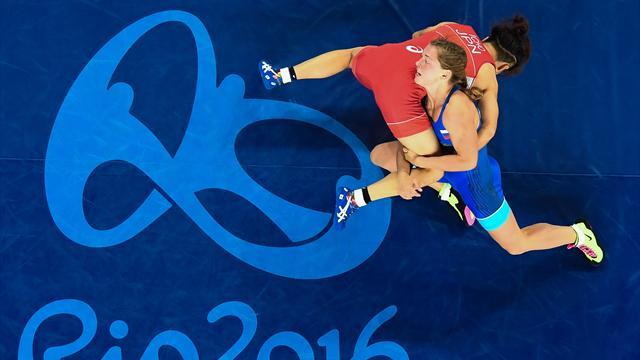 Президент Федерации спортивной борьбы назвал ничтожествами женщин-борцов