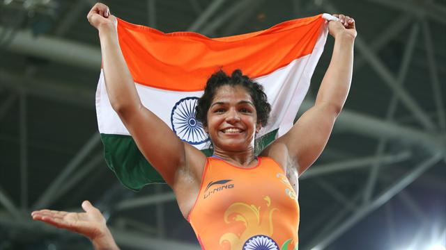 Cricketers lead plaudits after India's Sakshi Malik wins wrestling bronze