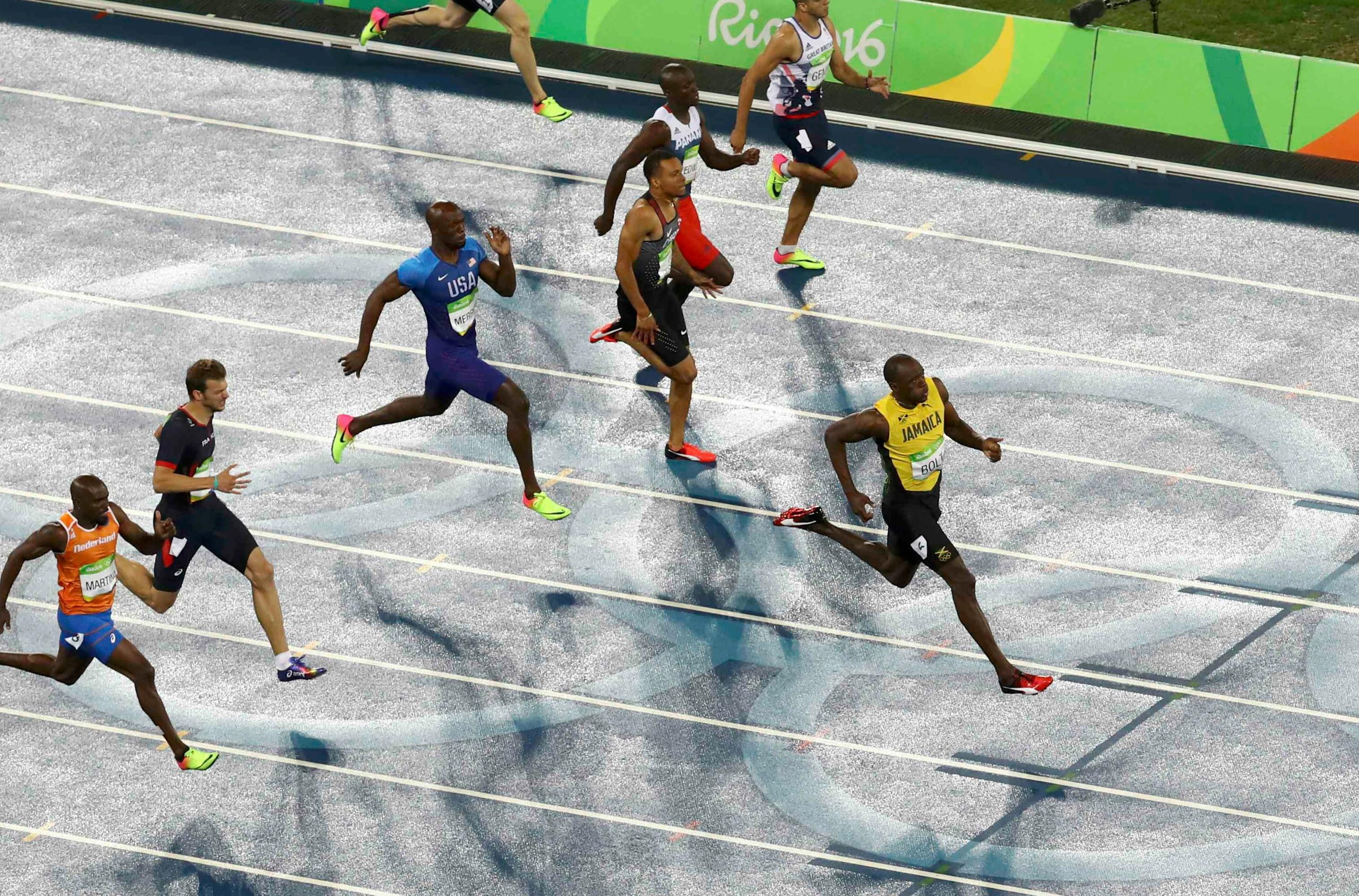 Usain Bolt à l'arrivée du 200m