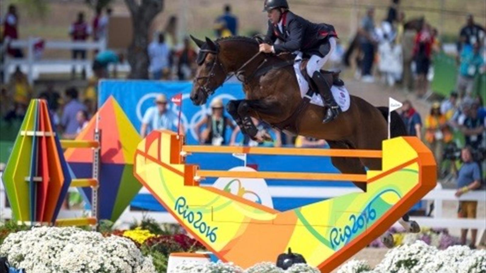 Great Britain's Nick Skelton wins individual Olympic show jumping gold in Rio - Equestrian ...