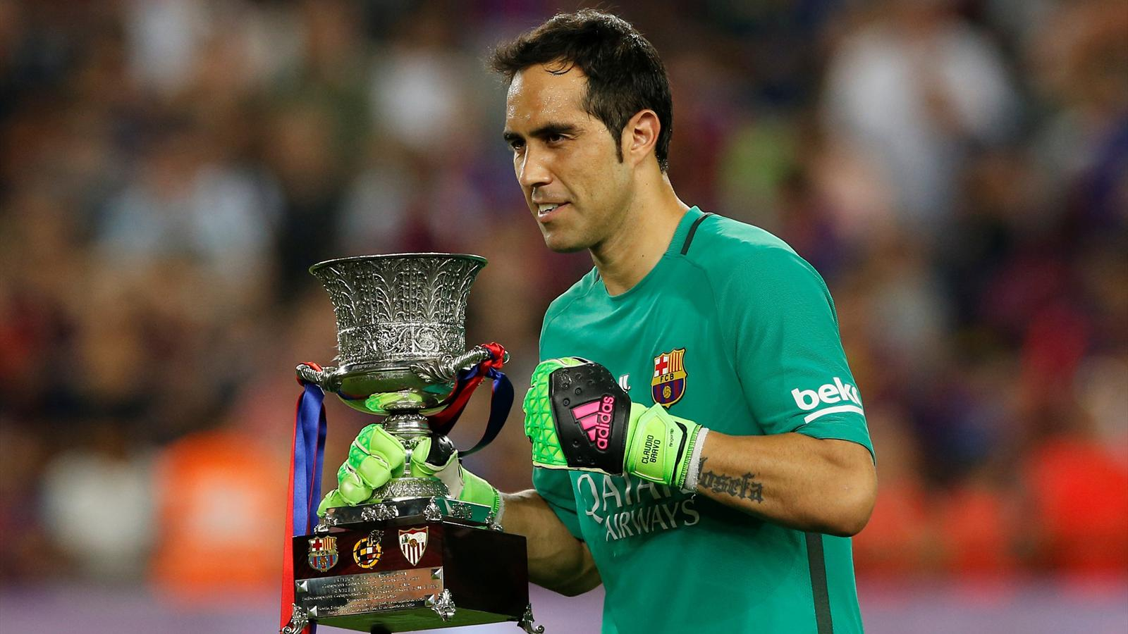 Barcelona confirm agreement to sell Claudio Bravo to Man City