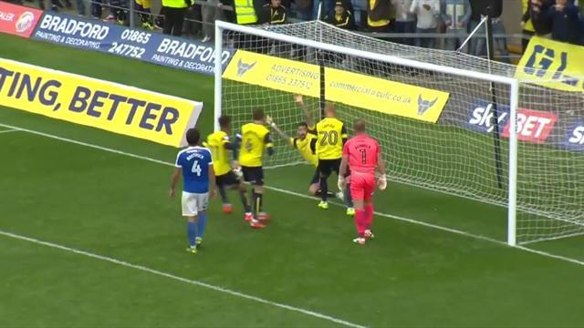 Игрок «Оксфорда» мерзко спародировал вратаря после забитого пенальти