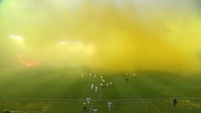 Фанаты едва не сорвали дерби Копенгагена мощнейшим огненным перформансом