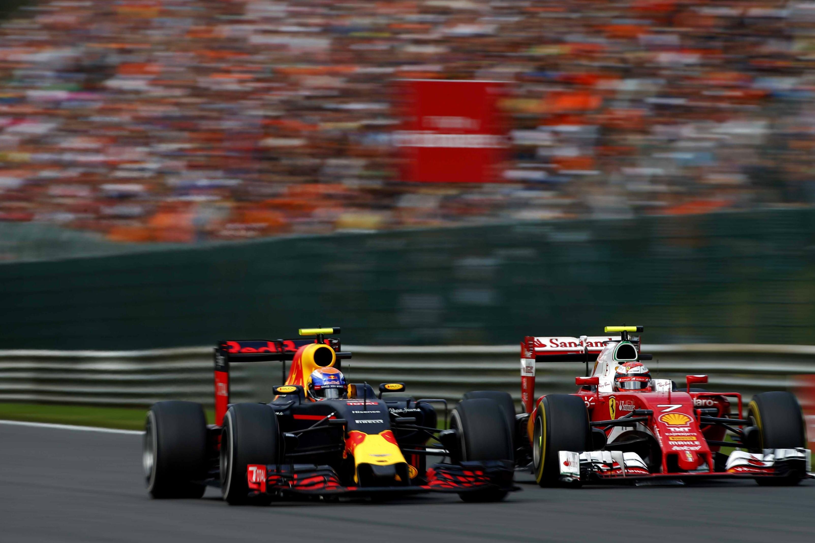 Max Verstappen (Red Bull) et Kimi Räikkönen (Ferrari) au Grand Prix de Belgique 2016
