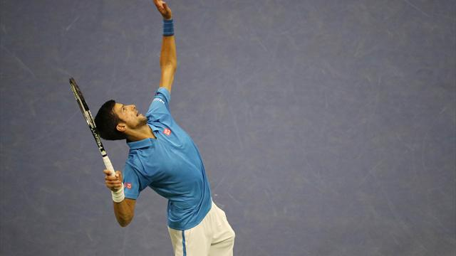 Djokovic has to fight against Janowicz to make it through to the second round