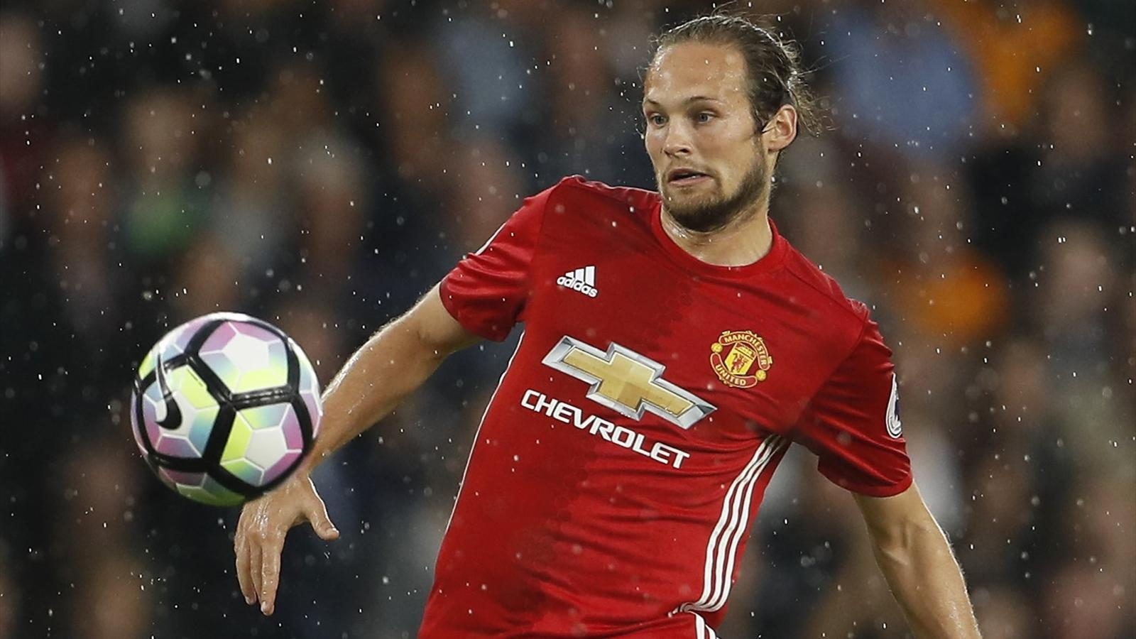 Why Daley Blind can be e Manchester United s John Terry under
