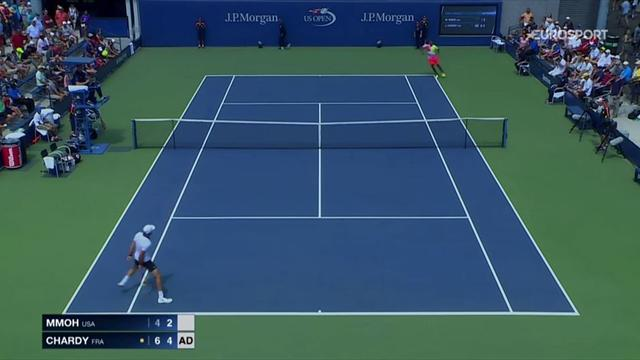 Chardy wins point after magnificent between-the-legs shot