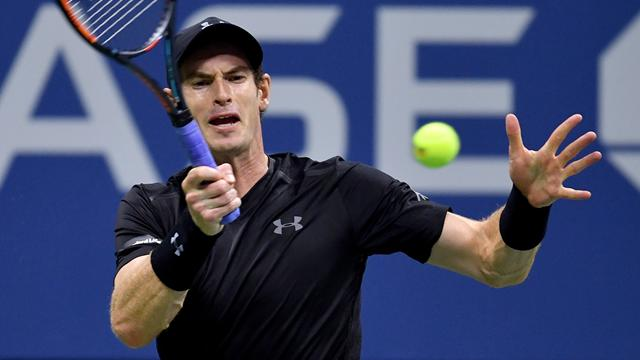 Murray recovers to oust Simon in Austria, keeps No.1 hopes alive