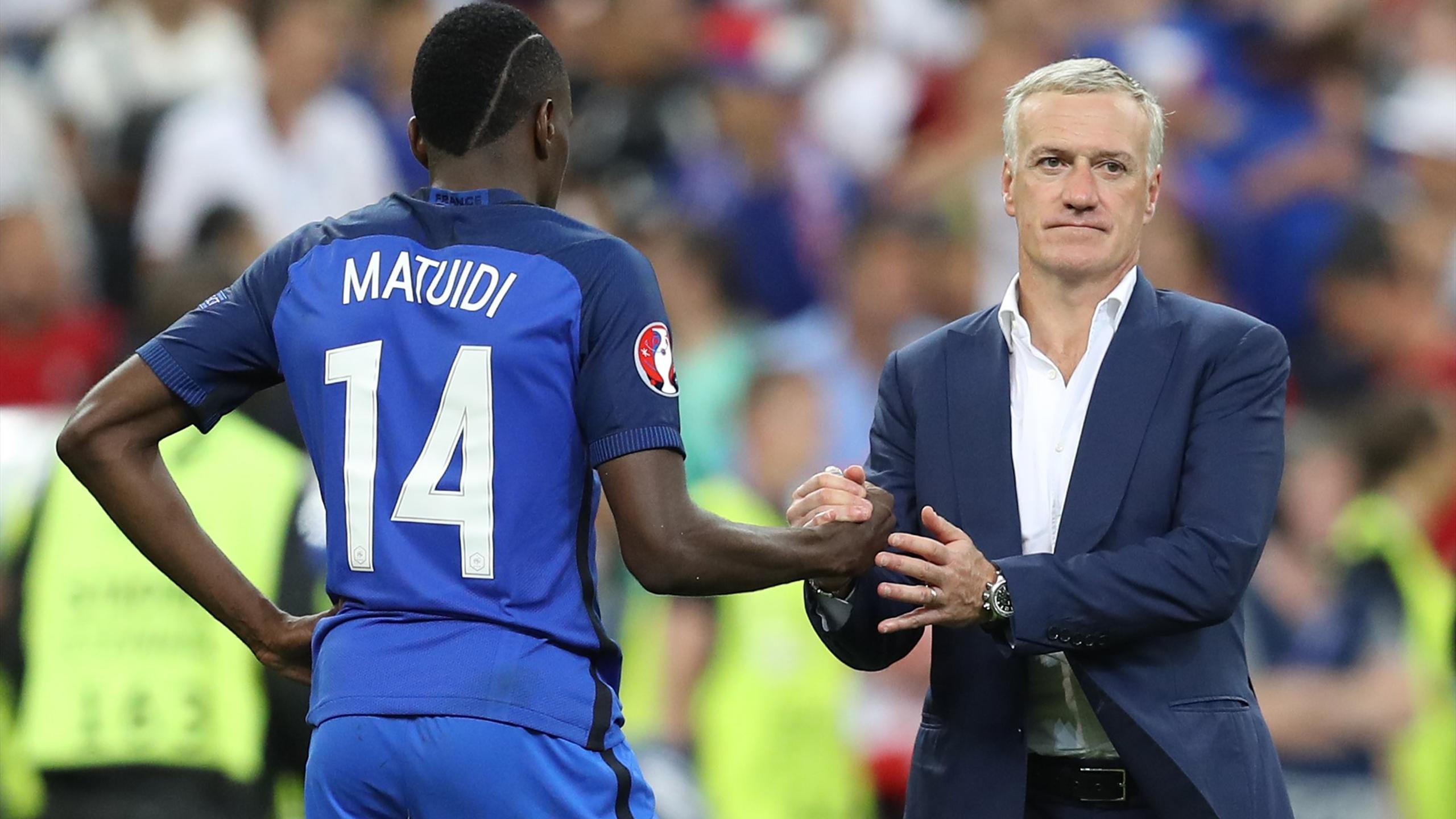Blaise Matuidi avec Didier Deschamps lors de l'Euro 2016