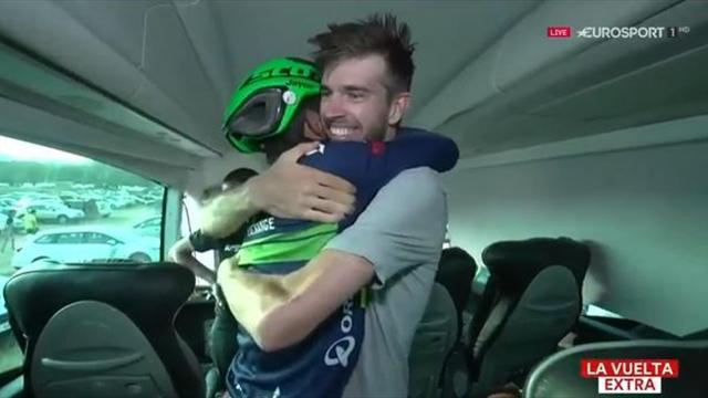 La Vuelta 2016: La celebración más íntima y emocionante de Chaves con sus compañeros