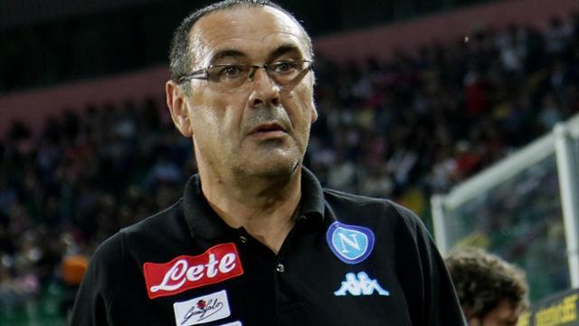 Naples : l'entraîneur Sarri tacle son président