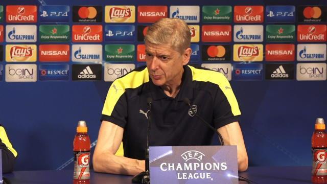 Wenger compte voir Arsenal priver Cavani de ballons