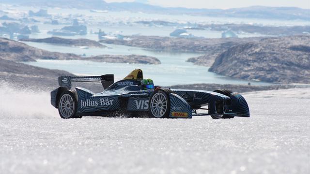 Бразильский гонщик проехался на болиде «Формулы-Е» по Гренландии