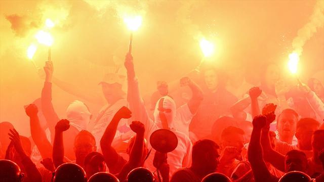 Болельщики Легии «зажгли» стадион вВаршаве ярким перфомансом