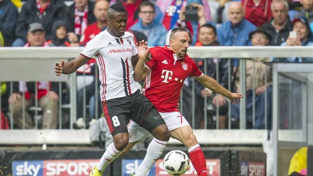 «Бавария» одолела «Ингольштадт», «Байер» уступил «Айнтрахту»