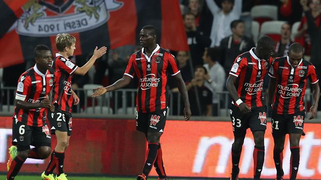 Red hot Balotelli propels Nice to the top in Ligue 1