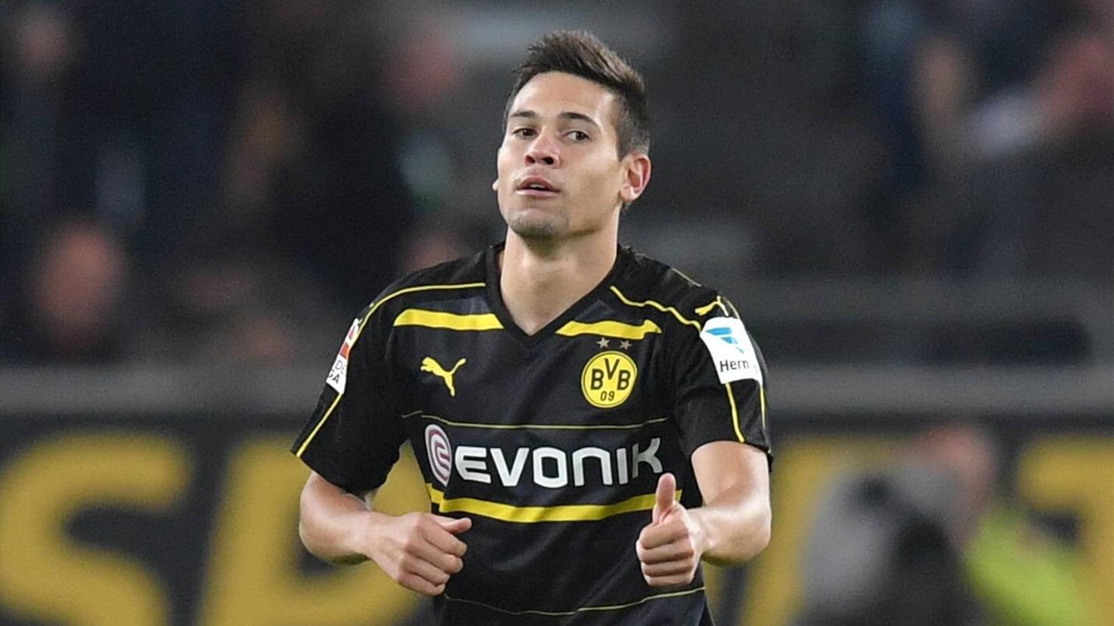 rapha l guerreiro dortmund condamn 90 000 euros d 39 amende pour d lit de fuite bundesliga. Black Bedroom Furniture Sets. Home Design Ideas