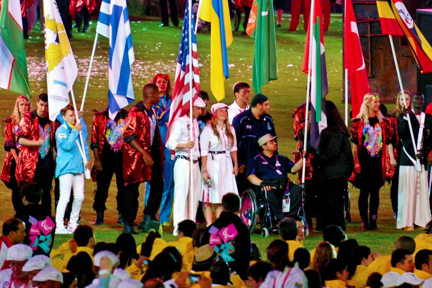 Брэдли Снайдер на церемонии закрытия Паралимпиады в Лондоне-2012